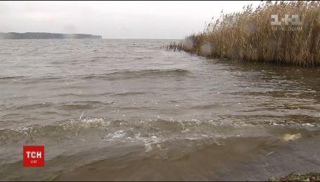 На Каневском водохранилище ищут отца и сына, которые вышли порыбачить и исчезли
