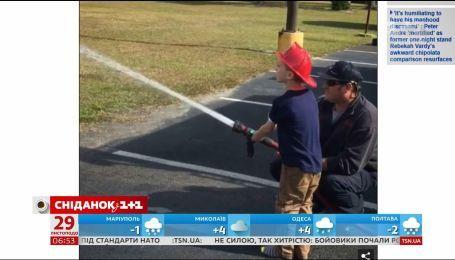 Пожарные устроили настоящий праздник мальчику-аутисту