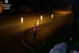 "В Луцке ""КАМАЗ"" наехал на трех пешеходов: женщина погибла на месте"