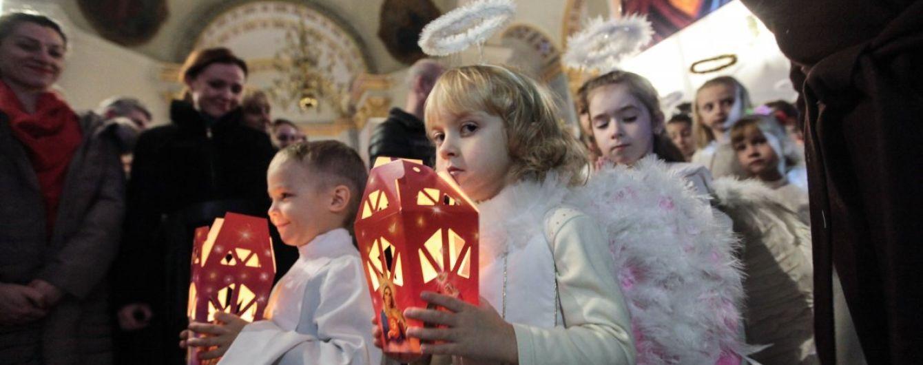 Порошенко утвердил Рождество 25 декабря еще одним выходным