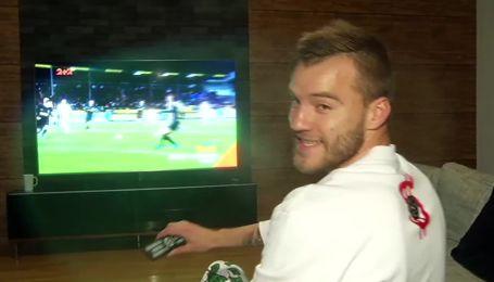 Ярмоленко показав Циганику, що дивиться канал 2+2