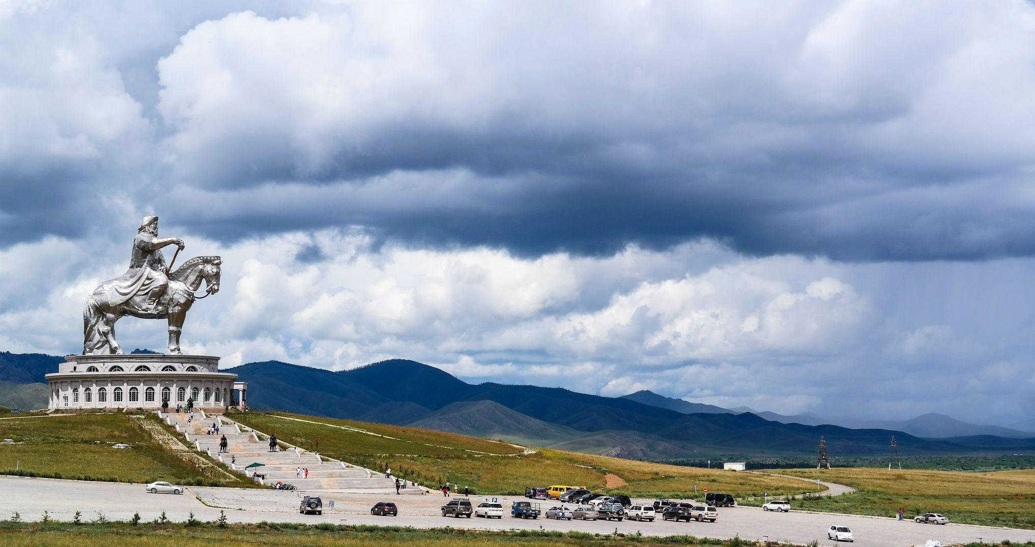 Монголія, Мостамент Чингісхан на коні