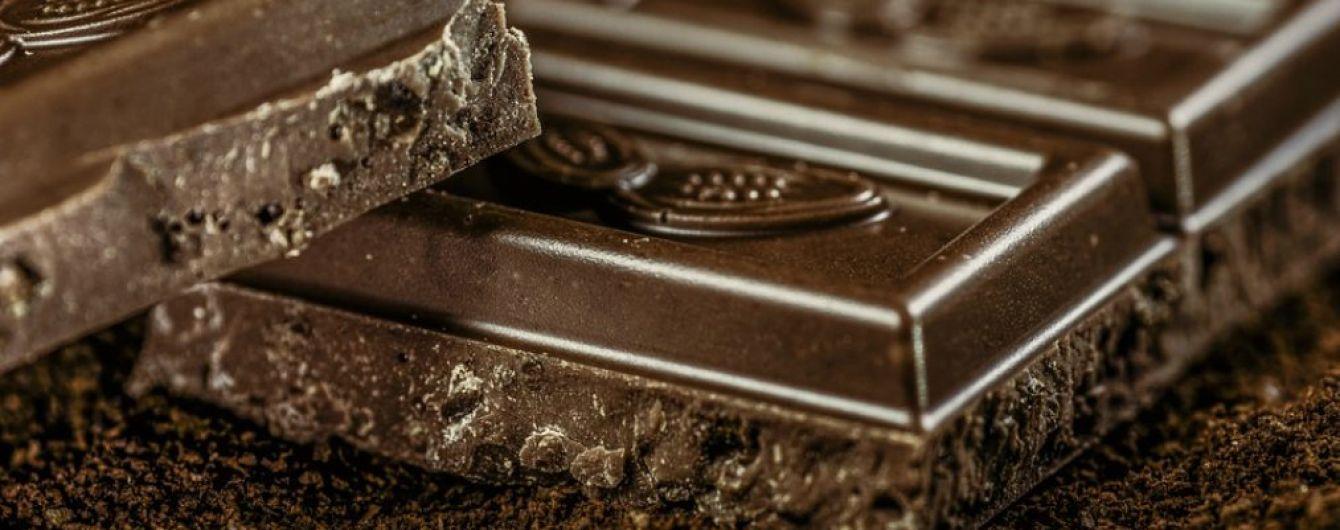 Шоколад с красным вином защищают человеческие клетки от болезней - ученые