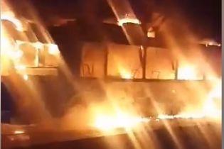 В Харькове во время движения загорелся троллейбус с пассажирами