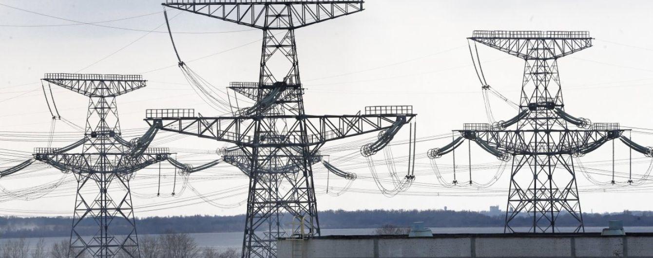 Через мокрий сніг на Запоріжжі вибило електрику в 20 населених пунктах
