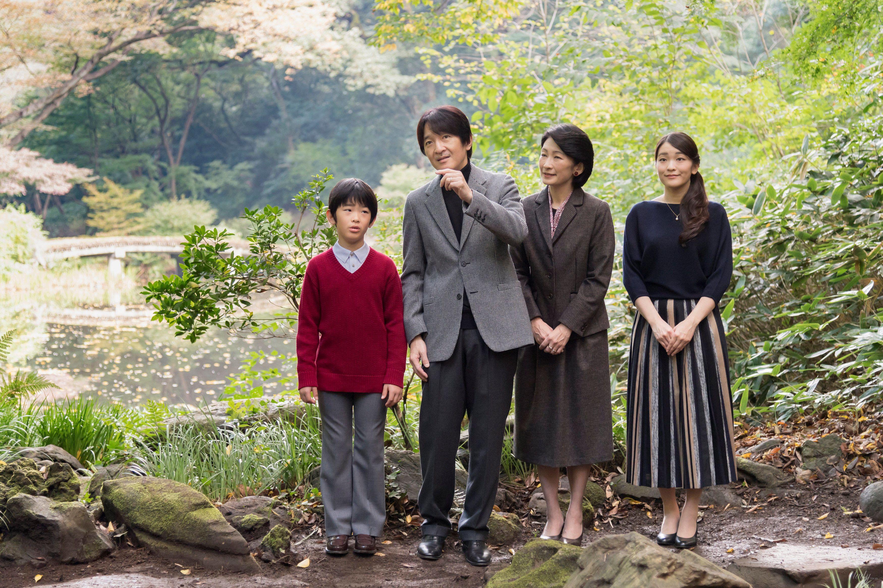 Японский принц Акисино, его жена принцесса Кико и их дети - принц Хисахито и принцесса Мако_2