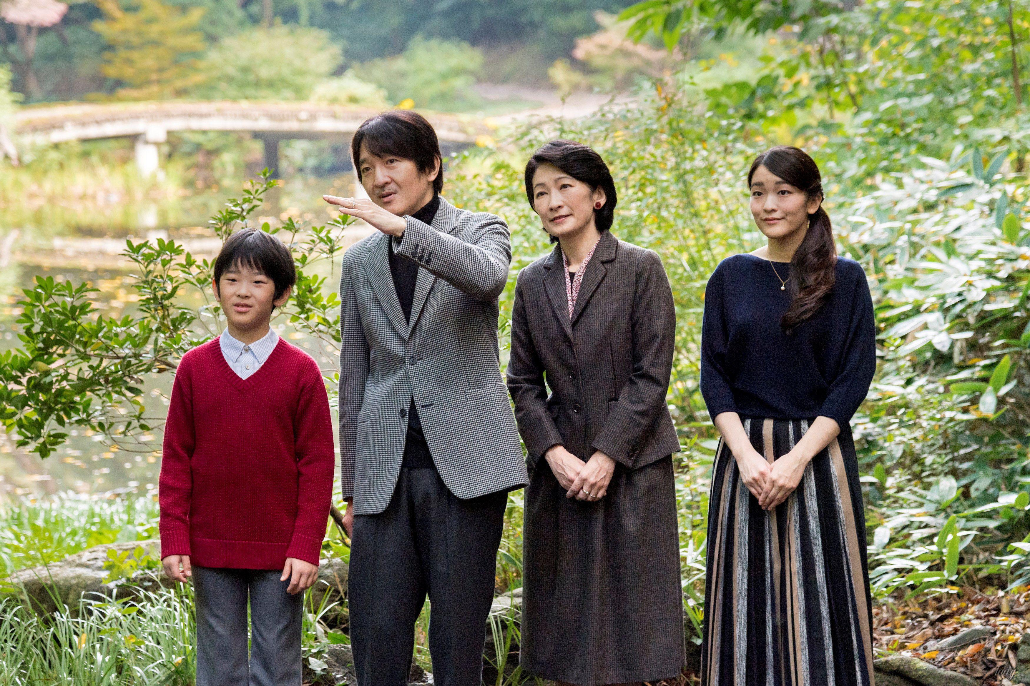 Японский принц Акисино, его жена принцесса Кико и их дети - принц Хисахито и принцесса Мако_5