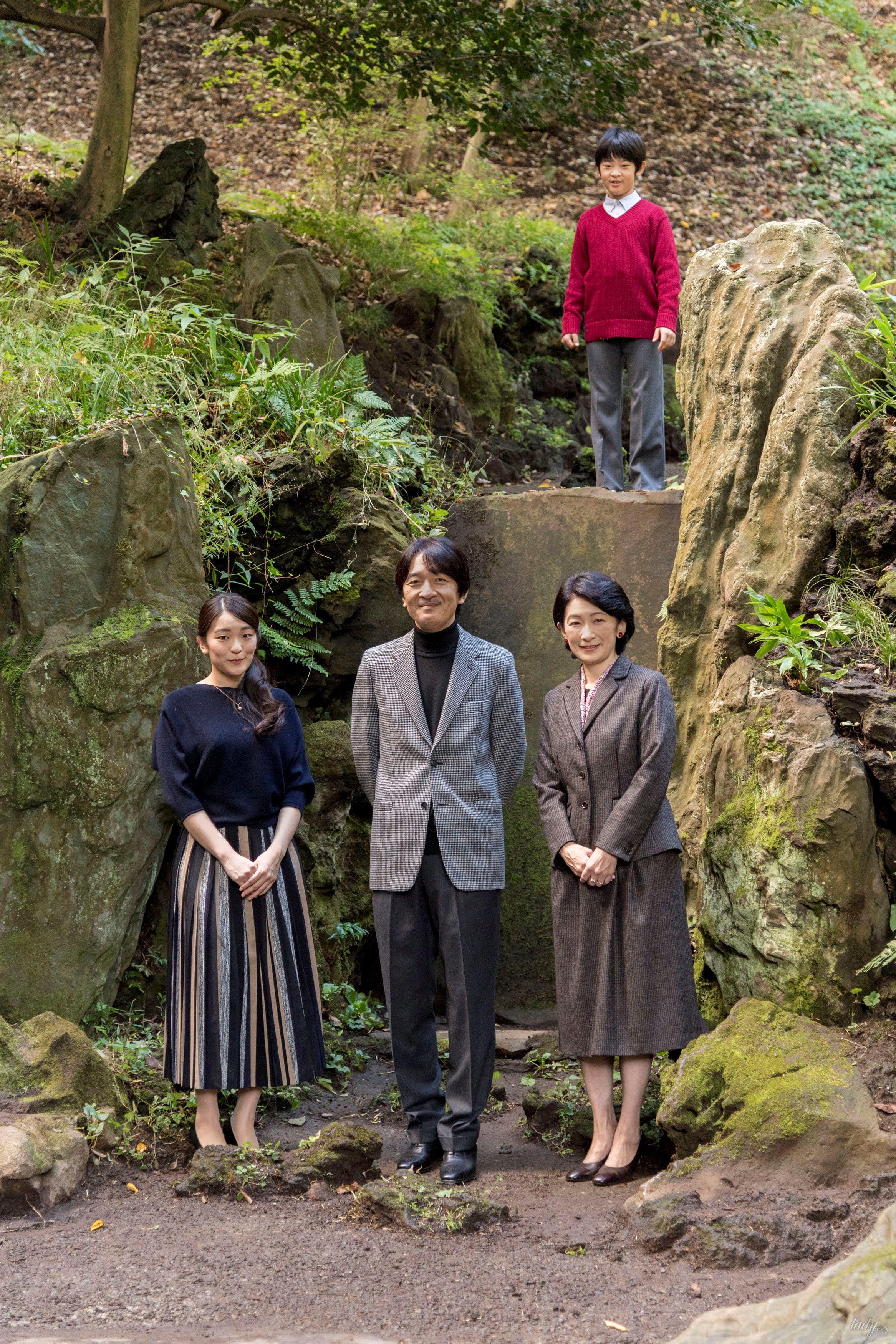 Японский принц Акисино, его жена принцесса Кико и их дети - принц Хисахито и принцесса Мако_6