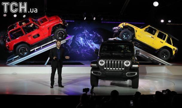 Автосалон у Лос-Анджелесі: представлені надсучасні моделі найвідоміших автомобілів