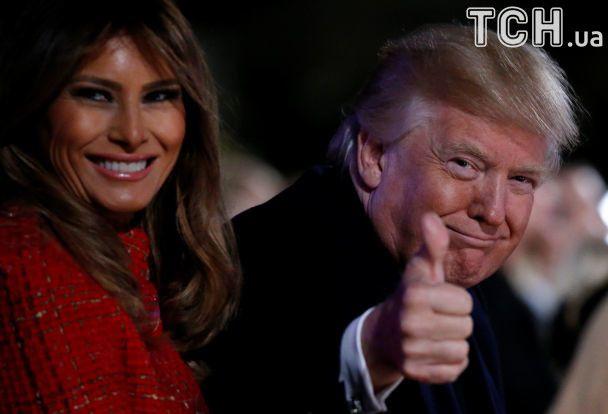 Изысканная Мелания Трамп зажгла главную елку США