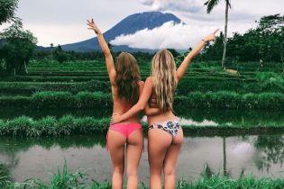 Туристические фото на фоне вулкана и голубоволосая Даша Астафьева. Тренды Сети