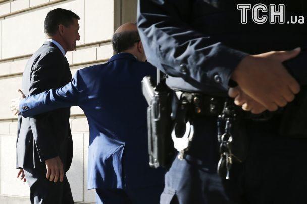 Официально обвиняемый: экс-советник Трампа Флинн признался во лжи об отношениях с РФ