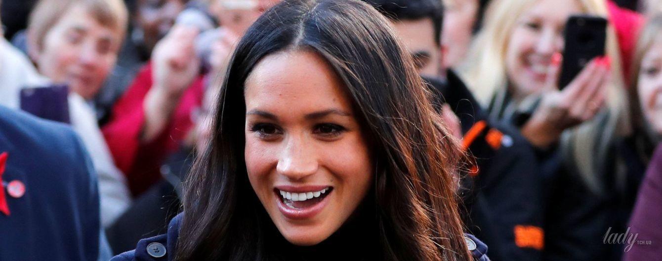 """""""Эффект Меган"""": пальто, в котором невеста принца Гарри приехала в Ноттингем, раскупили за несколько часов"""