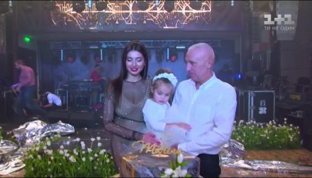 Лобстеры, белые тюльпаны и ламбада от Поляковой: как Александр Ярославский поздравлял жену с 30-летием