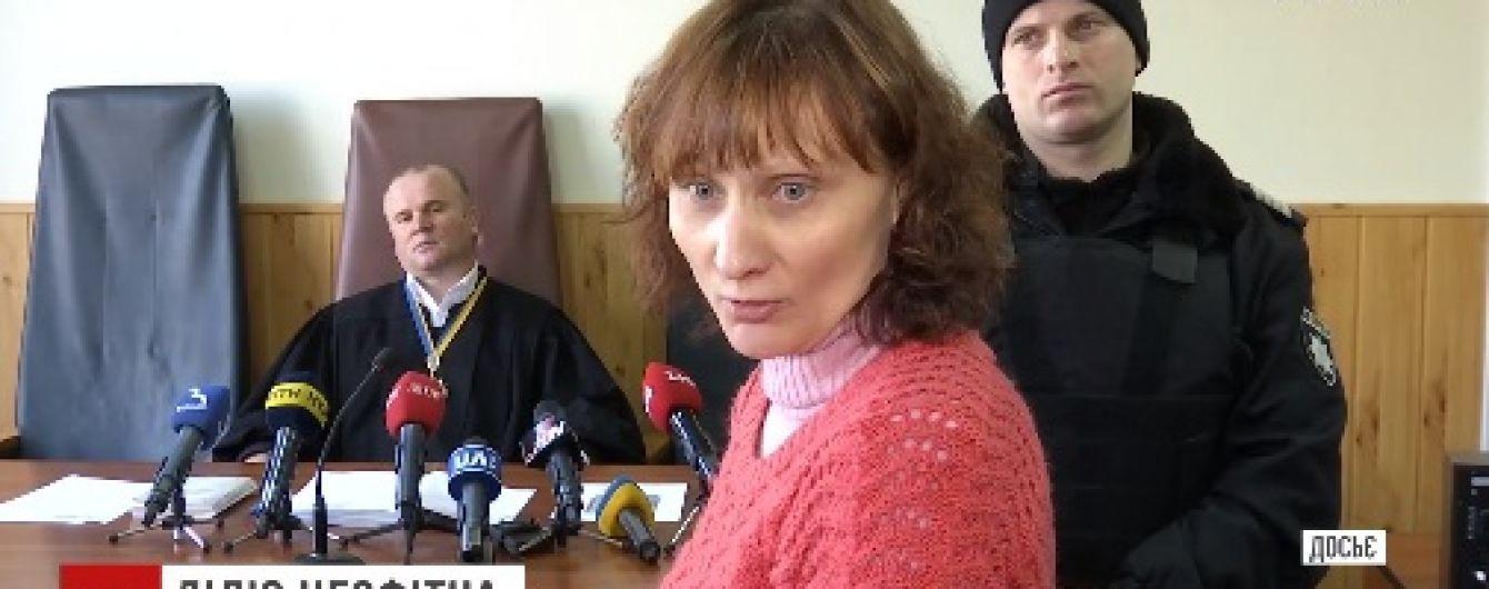 На Сумщині екс-очільниця психлікарні, яку судять за катування пацієнтів, намагається поновитися на посаді