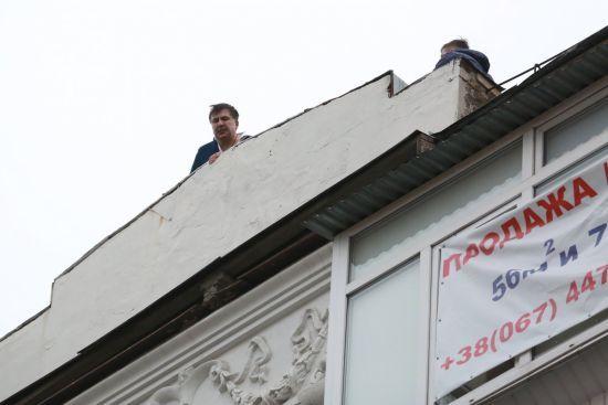 Українські депутати порівняли Саакашвілі з Леніним і Карлсоном після денних подій у Києві