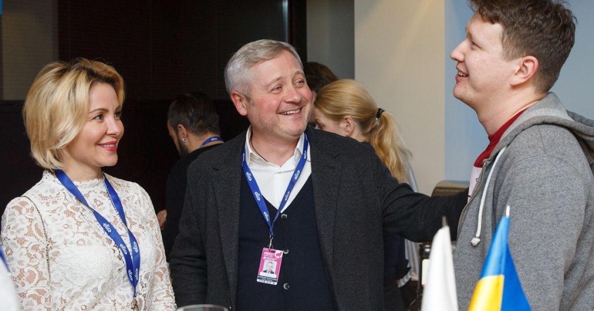 Меценат Ігор Янковський з дружиною Світланою Сухіною і кінорежисер Наріман Алієв
