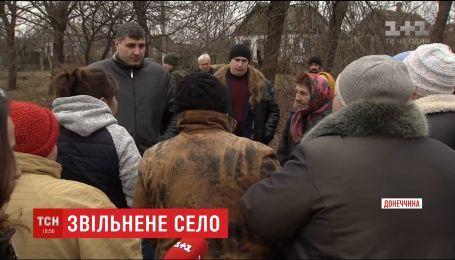 Жителі звільненого села Травневе в зоні АТО жаліються на байдужість чиновників