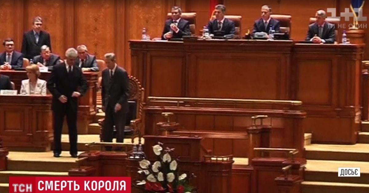 ne-dal-soskuchitsya-sosedke-onlayn-porno-foto-zhenshin-zrelih-v-pizdu