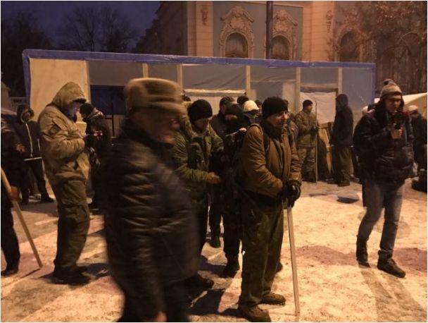 Силовики вдосвіта намагалися штурмувати наметове містечко біля Ради