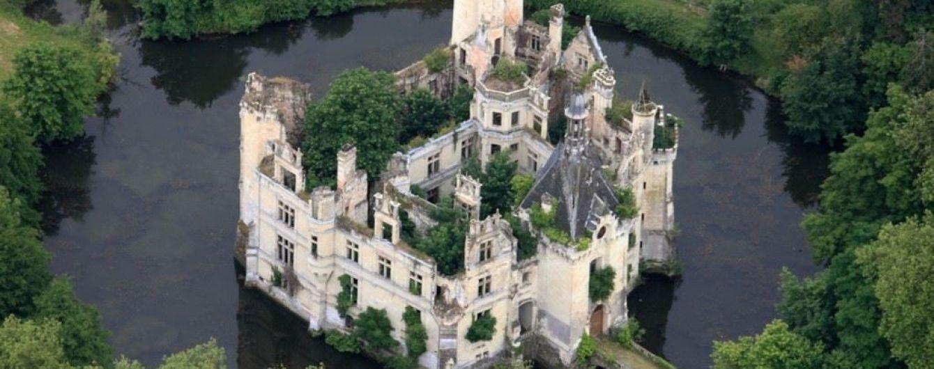6,5 тысячи интернет-пользователей скинулись деньгами и купили замок во Франции