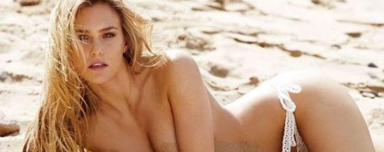Секси-мамочка: Бар Рафаэли топлес позировала на пляже