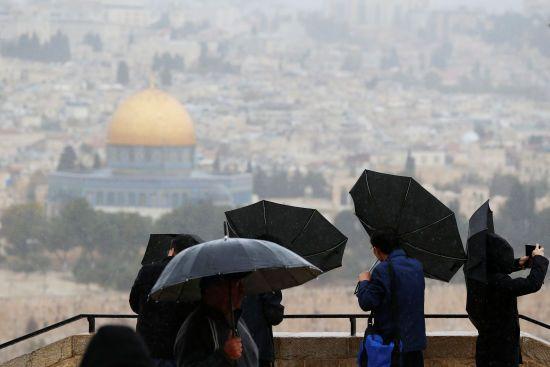 Світова реакція на визнання США Єрусалим столицею Ізраїлю та сканадал із Саакашвілі. П'ять новин, які ви могли проспати