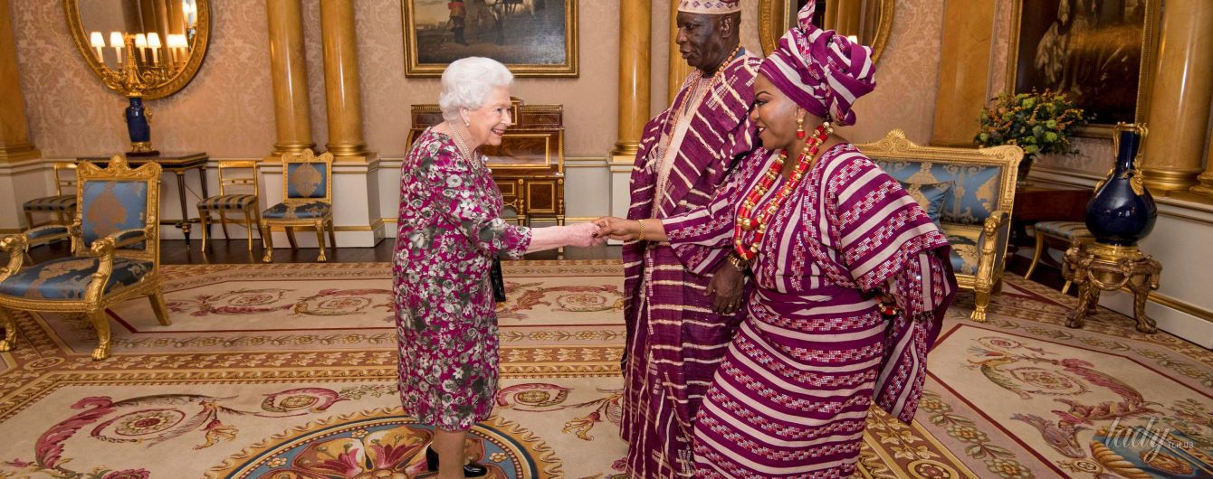 Найди королеву: Елизавета II  провалила дресс-код