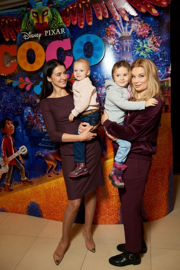 Лидия Таран и Валентина Хамайко устроили праздник пациентам больницы