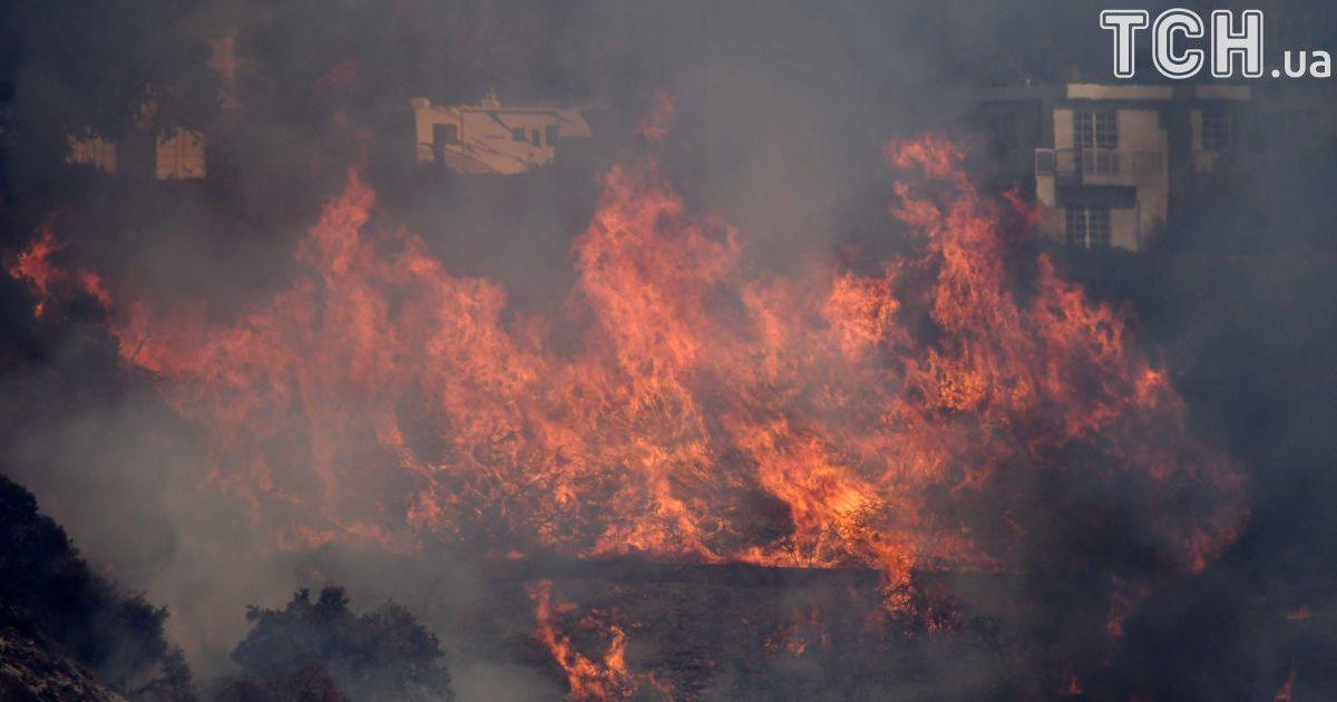 ВЛос-Анджелесе зафиксировали самый высокий вистории уровень пожарной опасности— Адские пожары