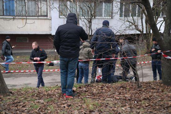 У Дніпрі в дворі багатоповерхівки розстріляли людину, оголошено план-перехоплення
