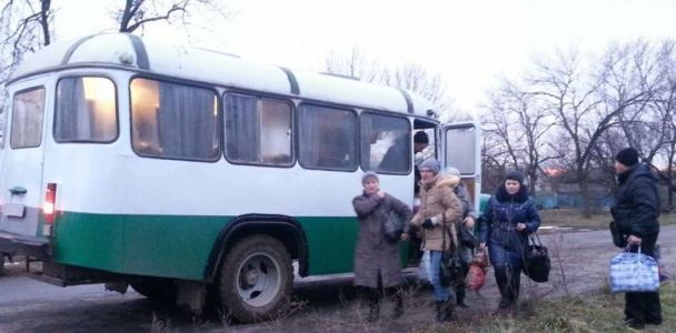 В освобожденном Травневом восстановили электроснабжение и транспортное сообщение