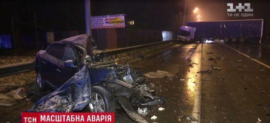 Смертельна ДТП із фурою на околиці Києва: причину лобового зіткнення машин досі не встановлено