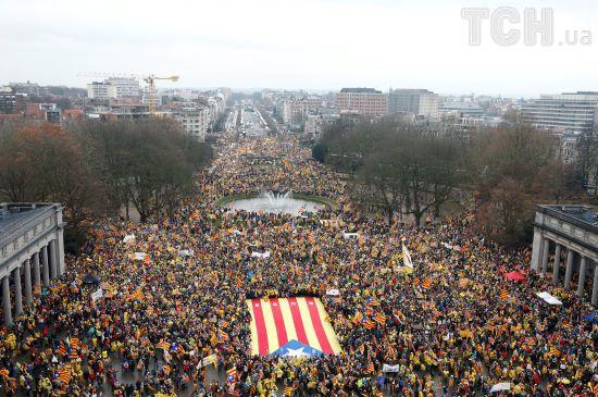 У Бельгії 50 тисяч людей вийшли на мітинг за незалежність Каталонії