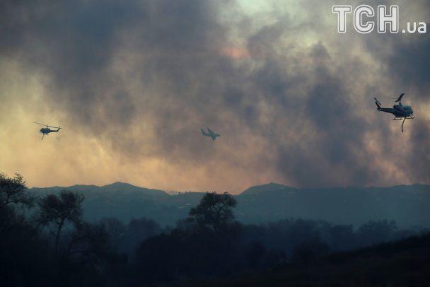 Пекло пожеж у Каліфорнії: згоріли більше сотні будинків, евакуювали 200 тисяч людей