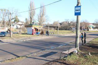 У Житомирі авто протаранило зупинку і наїхало на людей, серед постраждалих є дитина