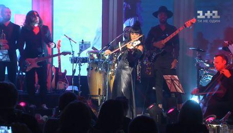 Помощница-богачка Святослава Пискуна и концерт Асии Ахат