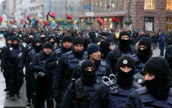 """У МВС розповіли, скільки правоохоронців охороняло """"Марш за імпічмент"""" у Києві"""