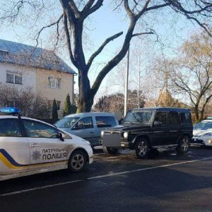 В Ужгороде патрульный полицейский помог предотвратить похищение человека