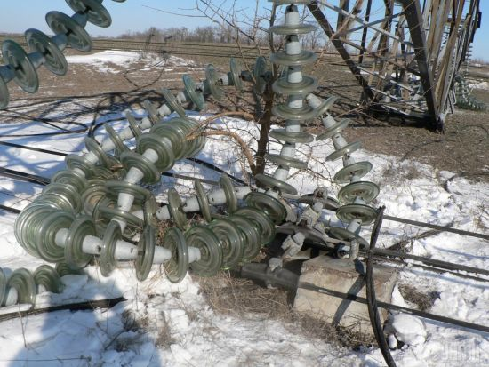 Через мокрий сніг і негоду в Україні без світла залишилися понад півтисячі сіл