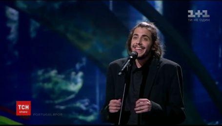 """Переможець """" Євробачення """" Сальвадор Собрал почувається добре після пересадки серця"""