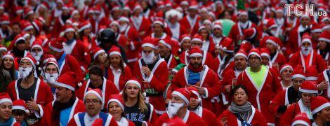 10 тисяч Санта-Клаусів із казковими ельфами пробіглися головним проспектом Мадрида
