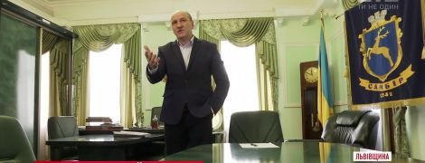 Секс-скандал у Самборі: екс-підлегла оскаржить відсудження у неї мером 25 тисяч гривень