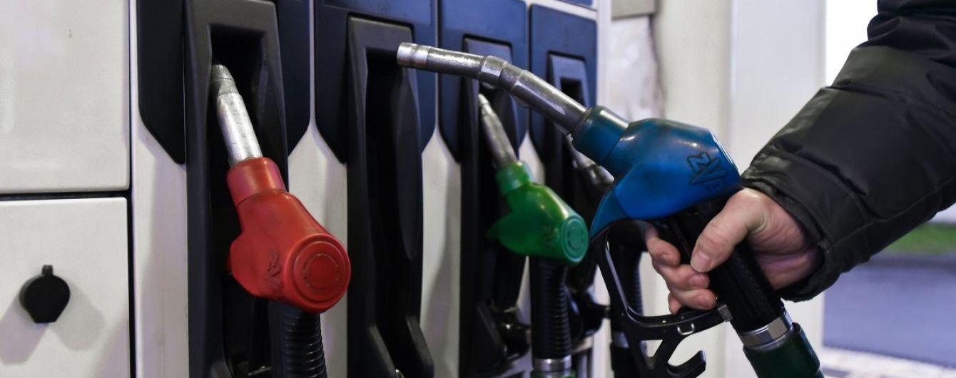 Сколько стоит заправить авто на АЗС утром 2 марта