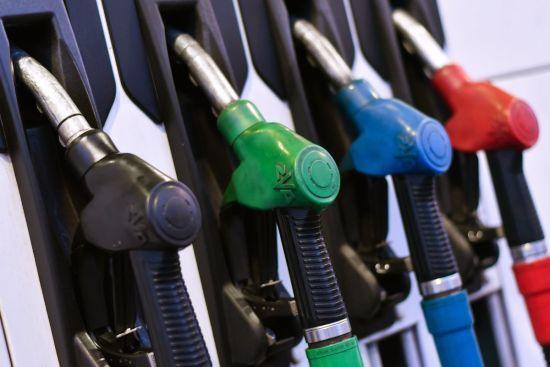 Скільки коштує заправити авто на АЗС. Середні ціни на пальне на 17 січня