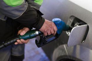 Сколько стоит заправить авто на АЗС утром 20 марта