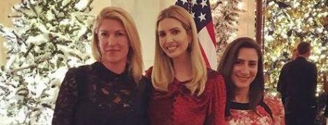 В романтичном платье и на шпильках: очаровательный образ Иванки Трамп