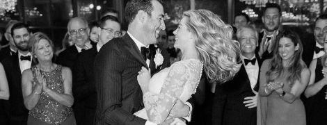 Невеста в пышном платье: Кейт Аптон поделилась снимками со своей свадебной церемонии