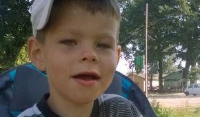 Допоможіть Денису отримати потрібне лікування, щоб навчитися розмовляти і ходити