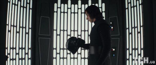 """Первый обзор 8 эпизода саги """"Звездные войны"""": захватывающие боевые сцены и неожиданные сюжетные повороты"""